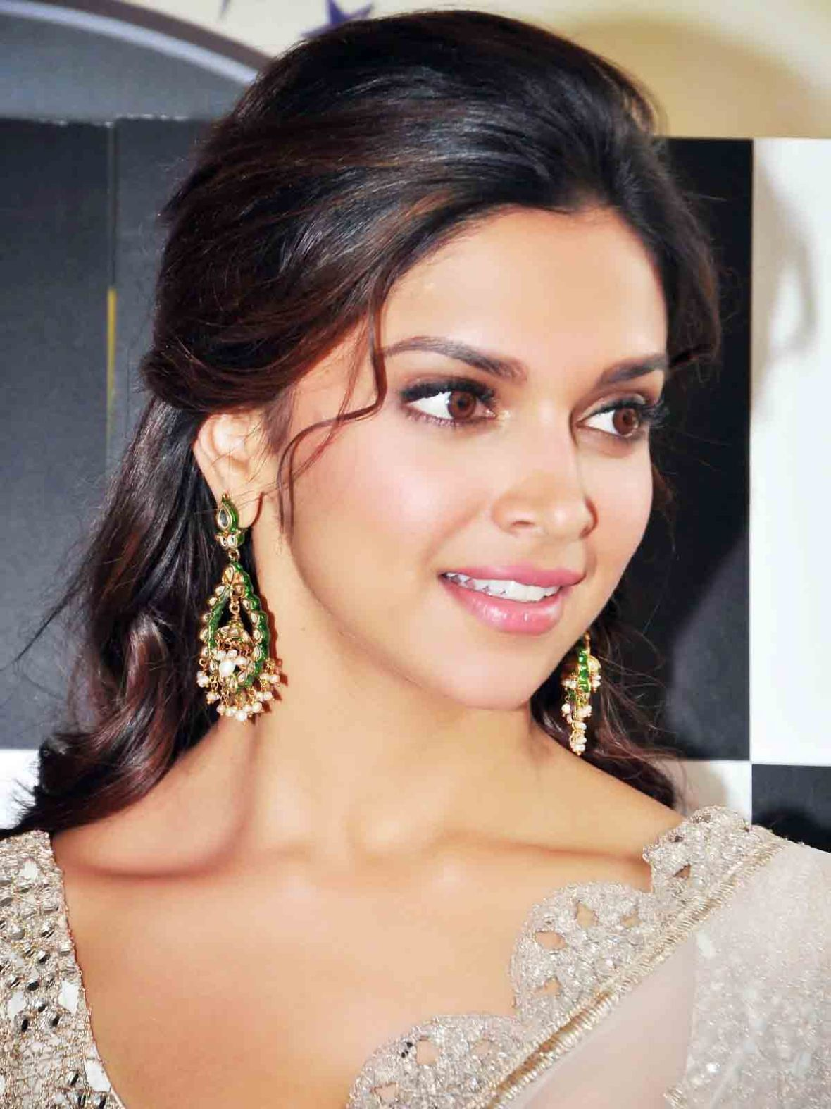 Deepika Padukone Beautiful Photo